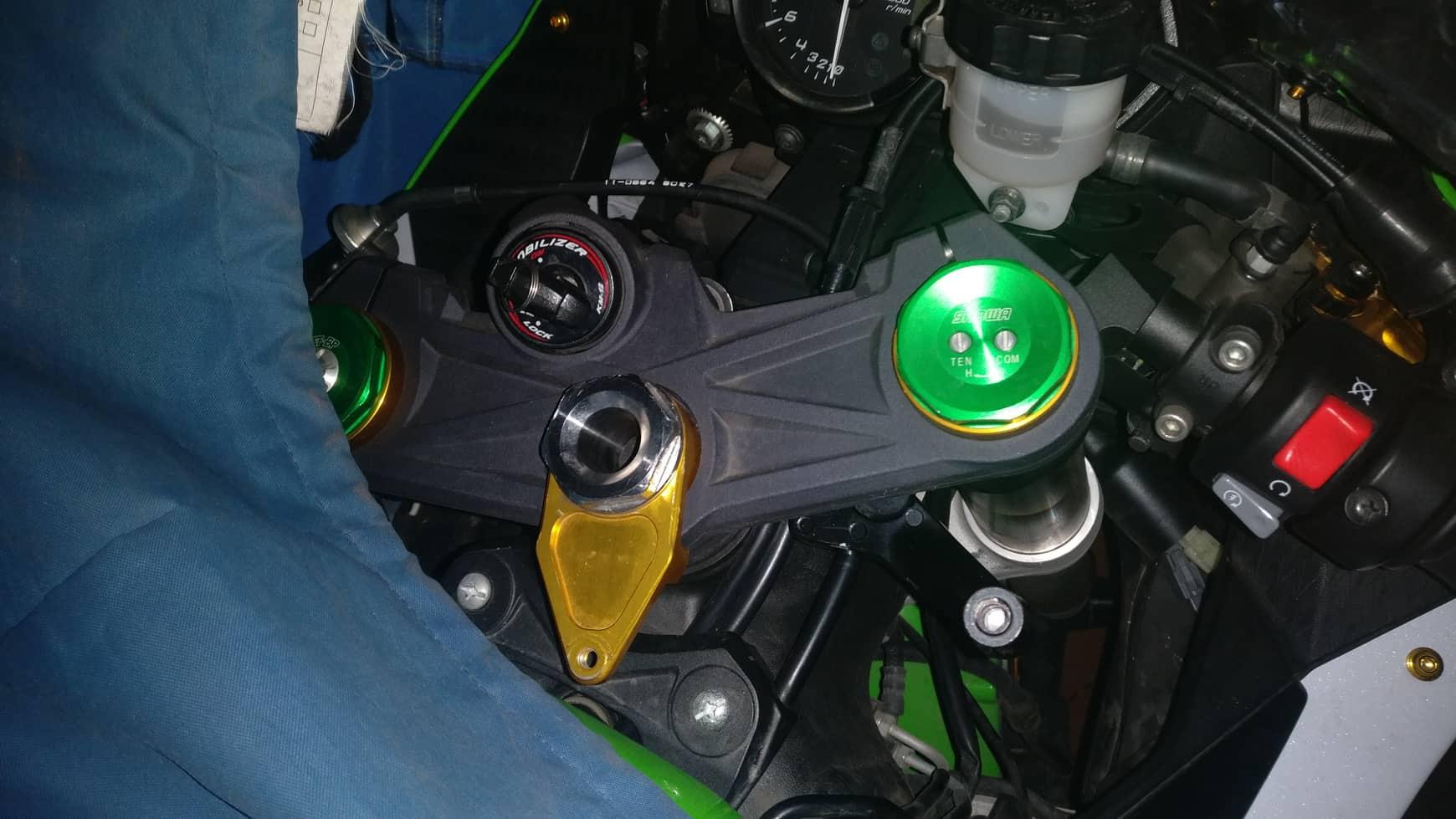 ZX6R 2013+ Steering Damper-54377139_387921955354531_8774803109839896576_n.jpg