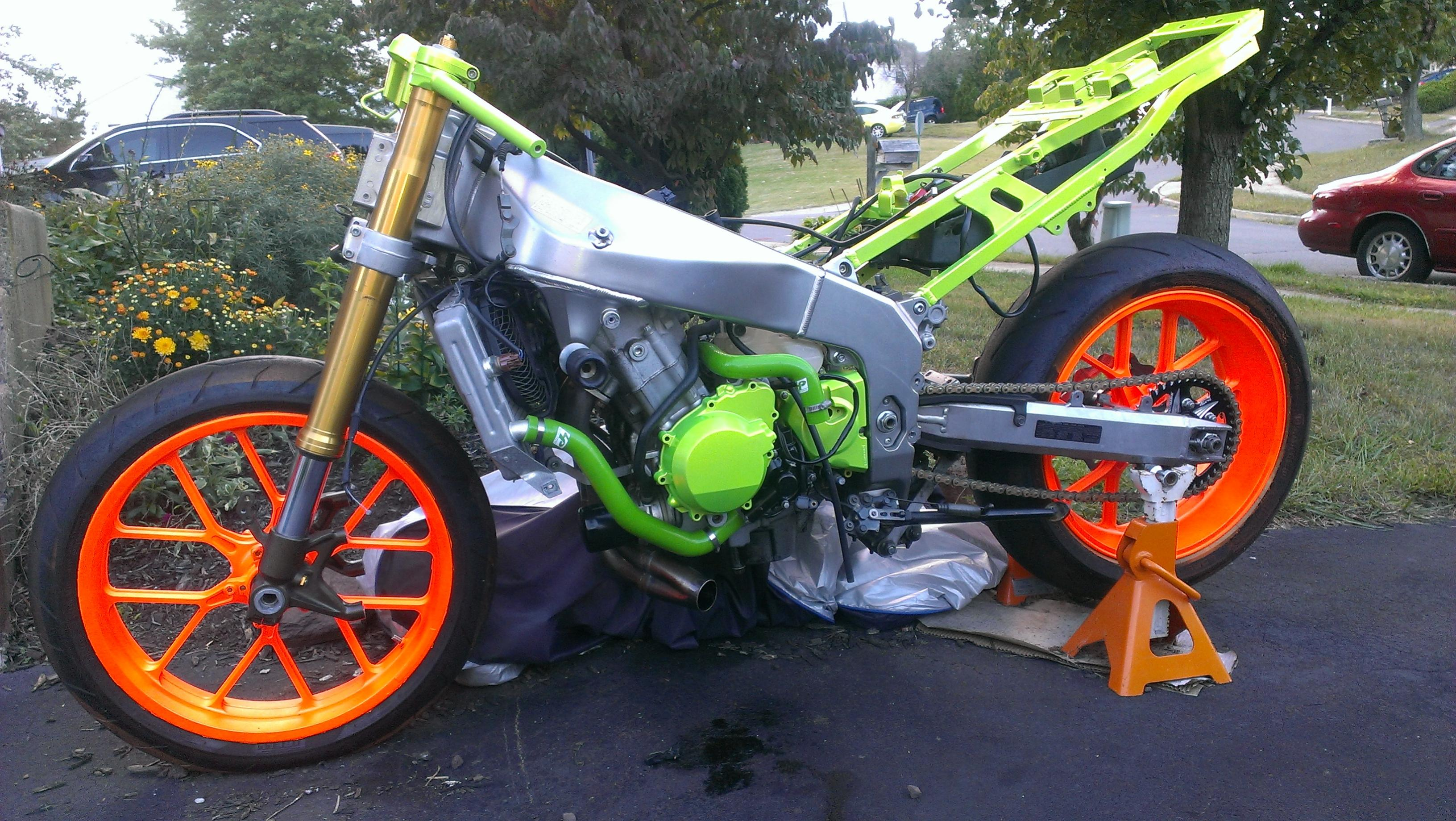 click image for larger version name imag1004jpg views 768 size 9009 - Motorcycle Frame Paint