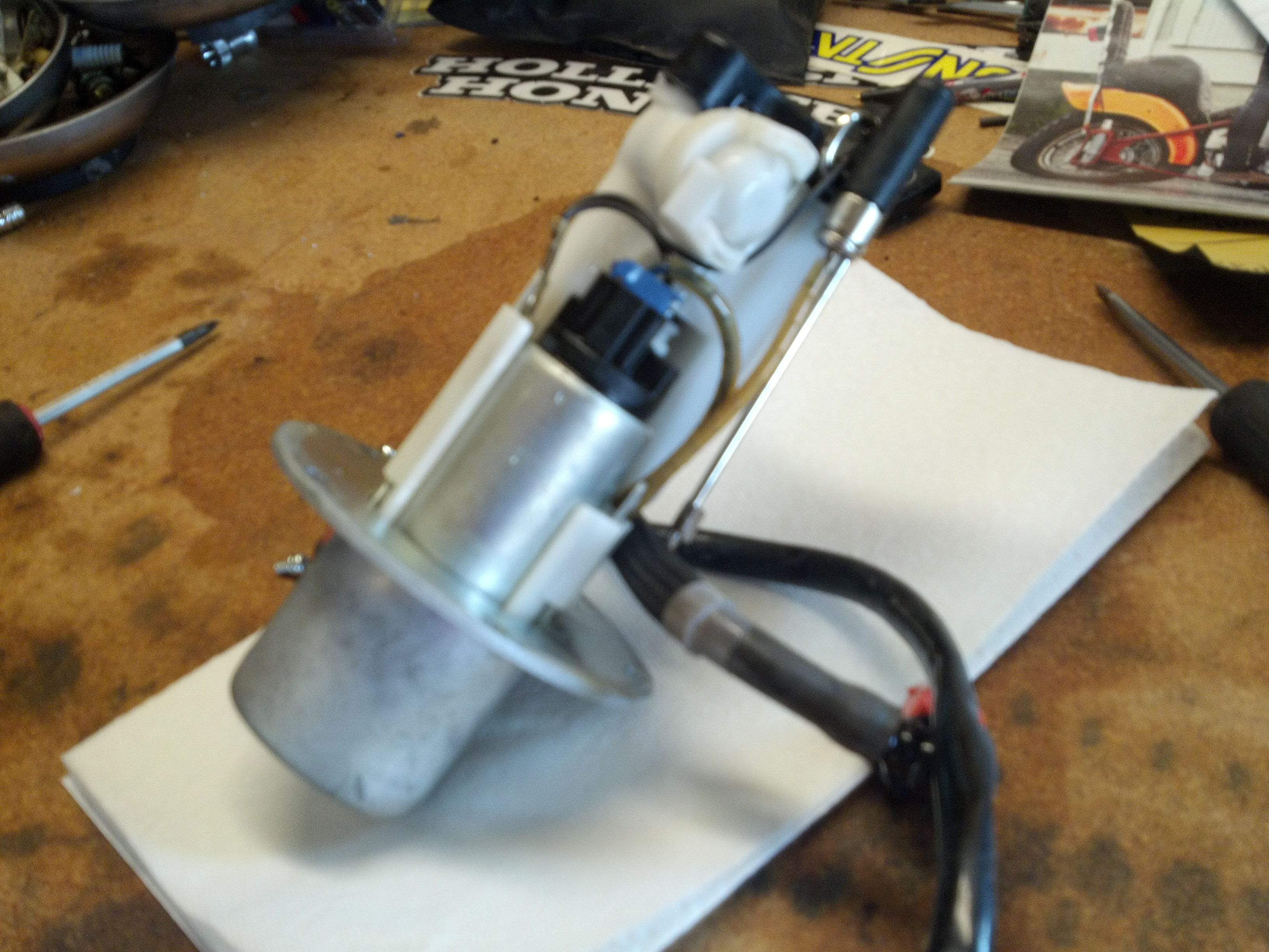 How To Service Fuel Pump And Strainer Zx6r Forum 2003 Chevy Silverado Filter Location Resizedimage 1331441046475