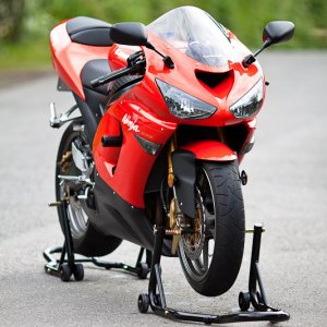 '05zx636 red